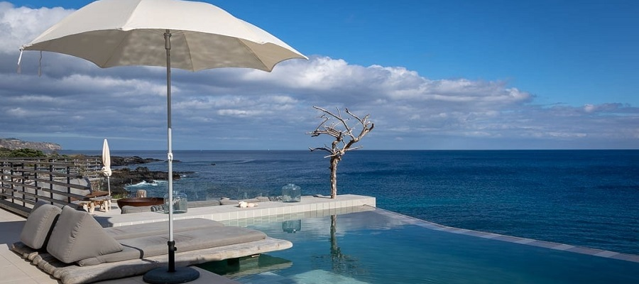 White Exclusive Suites & Villas Hotel