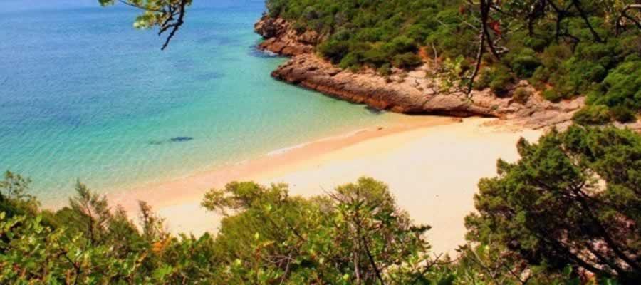 Praia dos Coelhos na Arrábida