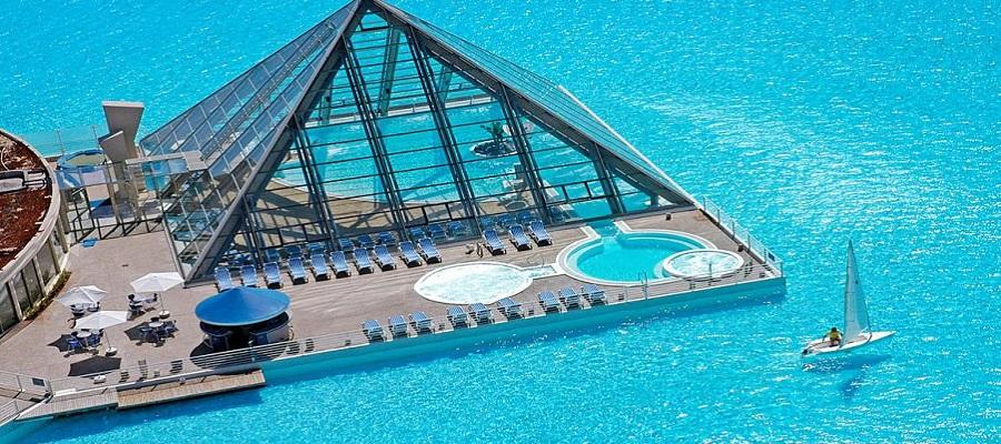 Hotel com Maior piscina do mundo