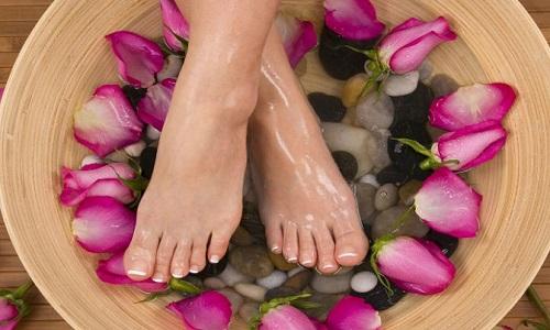Escalda pés alivia cansaço e ajuda a relaxar