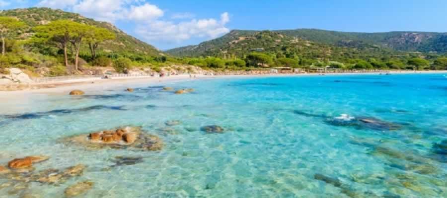 8 Ilhas do Mar Mediterraneo que você vai adorar